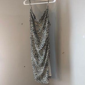 NWT Lovers + Friends Midi Dress